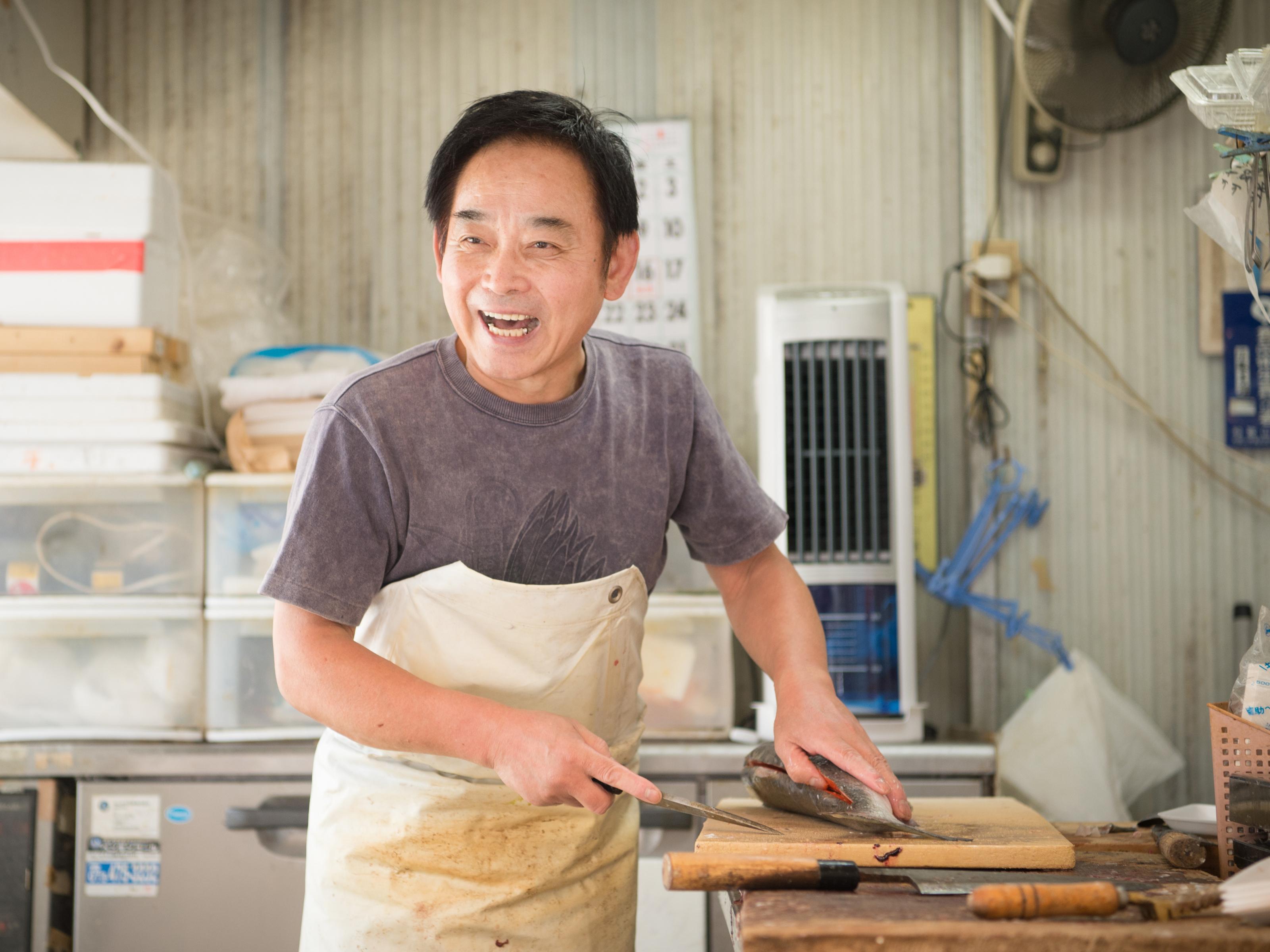 天然モノにこだわる魚屋 鮮魚・丸幸 佐藤さん家族
